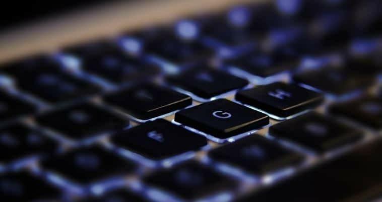 teclado-de-una-portatil-min