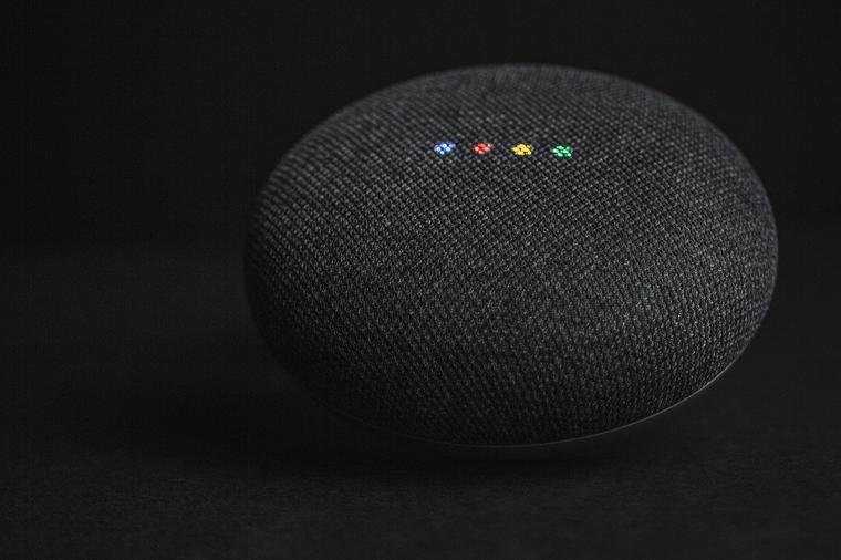Google Home con el Asistente de Google
